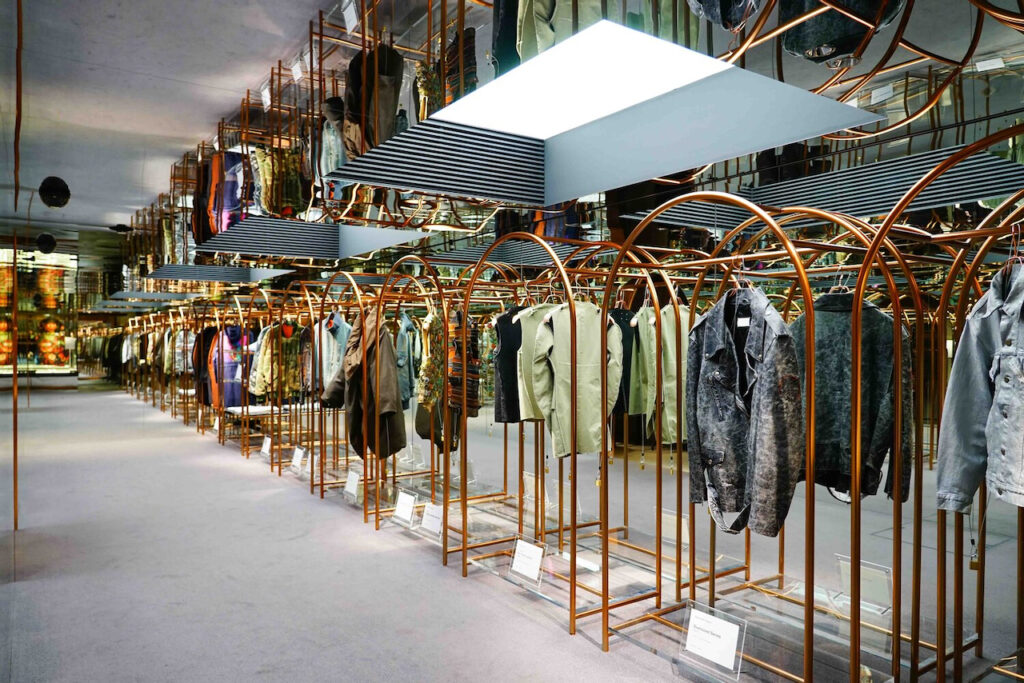 the-archive-store-tokyo-historical-fashion
